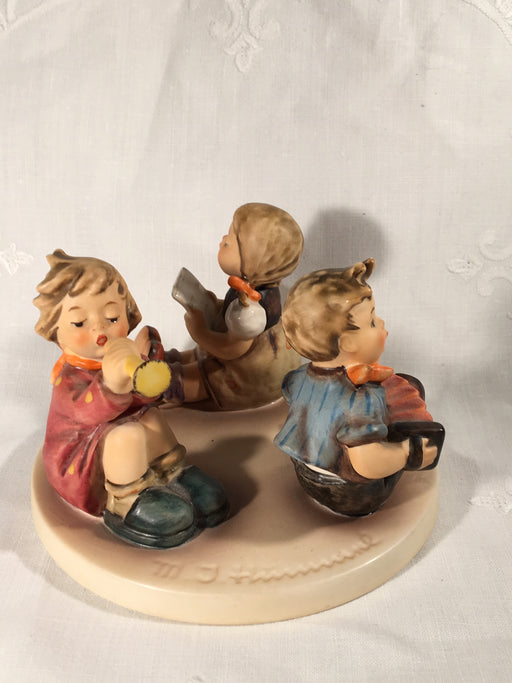 "Goebel Hummel Figurine TMK5 #392 ""Little Band"" (Boy Girl Instruments) 3"" Tall   - TvMovieCards.com"
