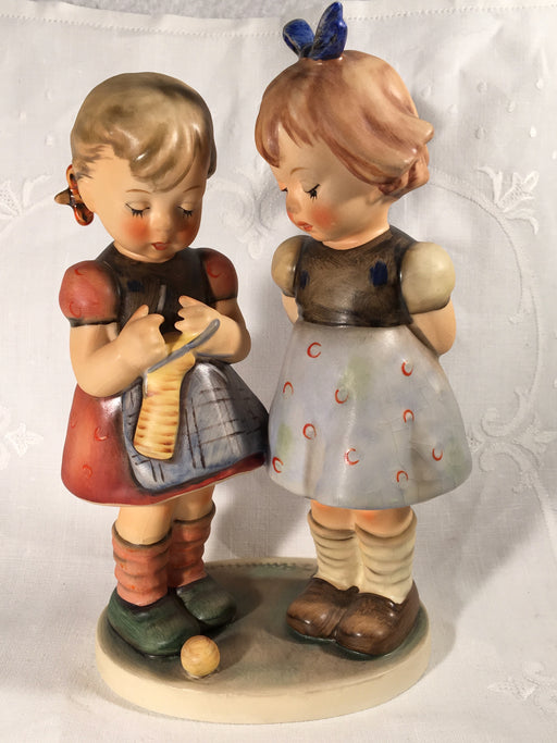 "Goebel Hummel Figurine TMK5 #256 ""Knitting Lesson"" 7.50"" Tall   - TvMovieCards.com"