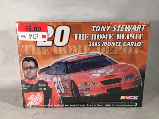 Revell Tony Stewart #20 The Home Depot 2005 Monte Carlo 85-2895   - TvMovieCards.com