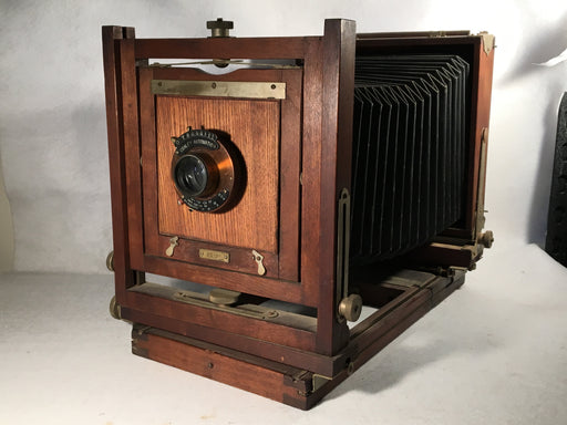 Antique Gundlach Korona Folding 5 x 7 Studio Field Camera Conley Automatic Lens   - TvMovieCards.com