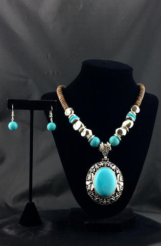 Howlite Beaded Tribal Necklace Set