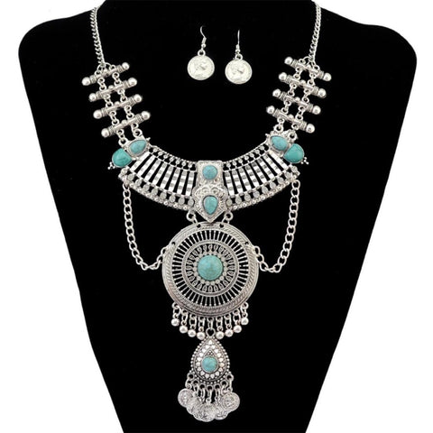 Queen Necklace Set