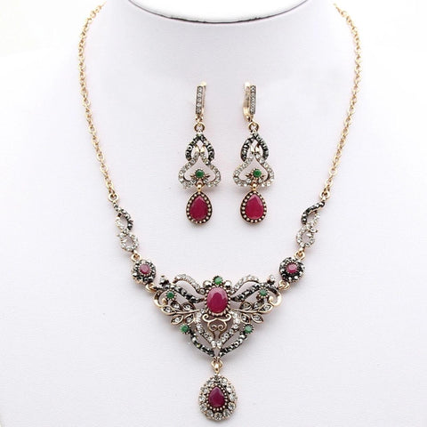 Red and Green Rhinestone Necklace Set