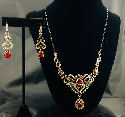 Rhinestone Holiday Necklace Set