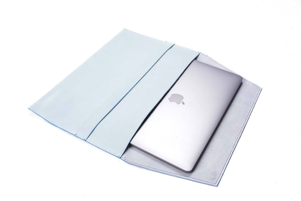 The Camden Lock - Apple Sleeve in Baby Blue
