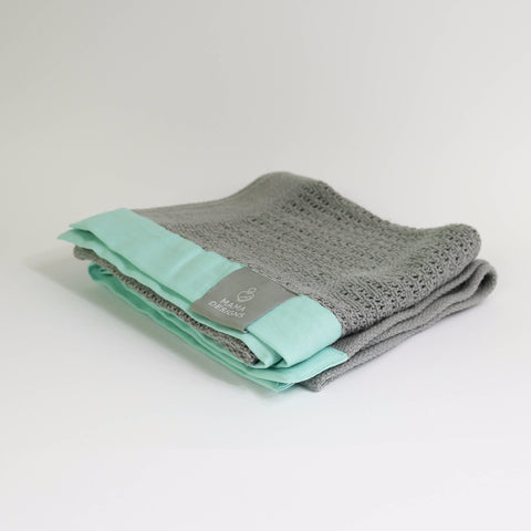 Cellular blanket grey with mint trim