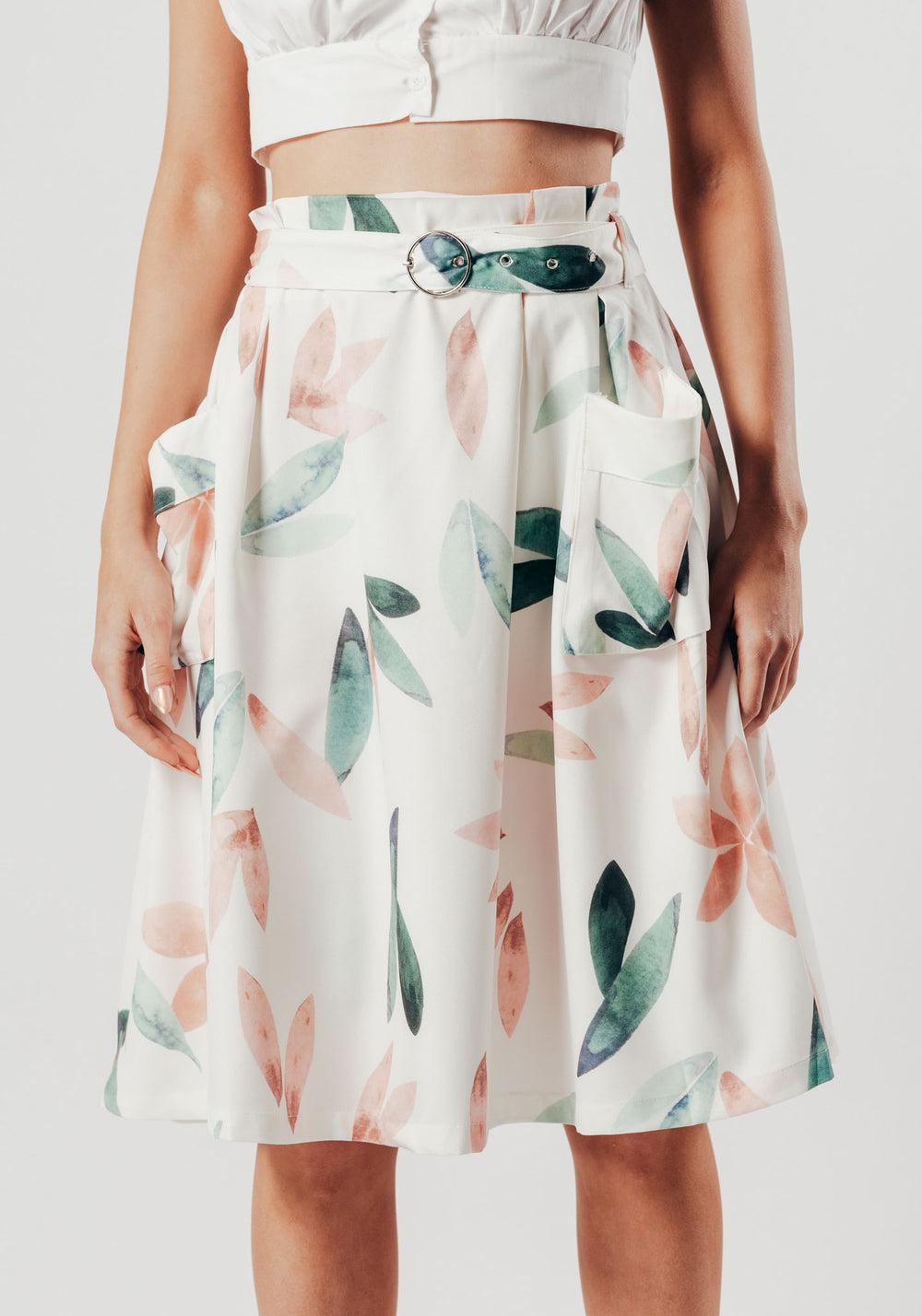 White Leaf Print Skirt With Side Pockets and Belt