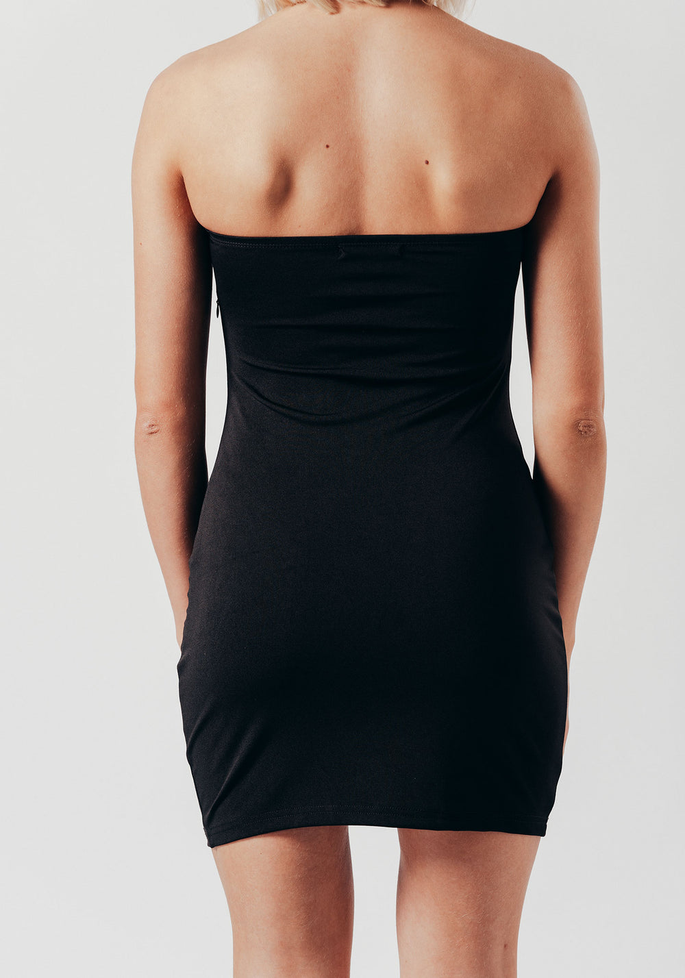 Black Buckle Detail Mini Body con Dress