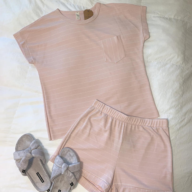Maternity + Postpartum Lazy Sunday Lounge Set in Blush