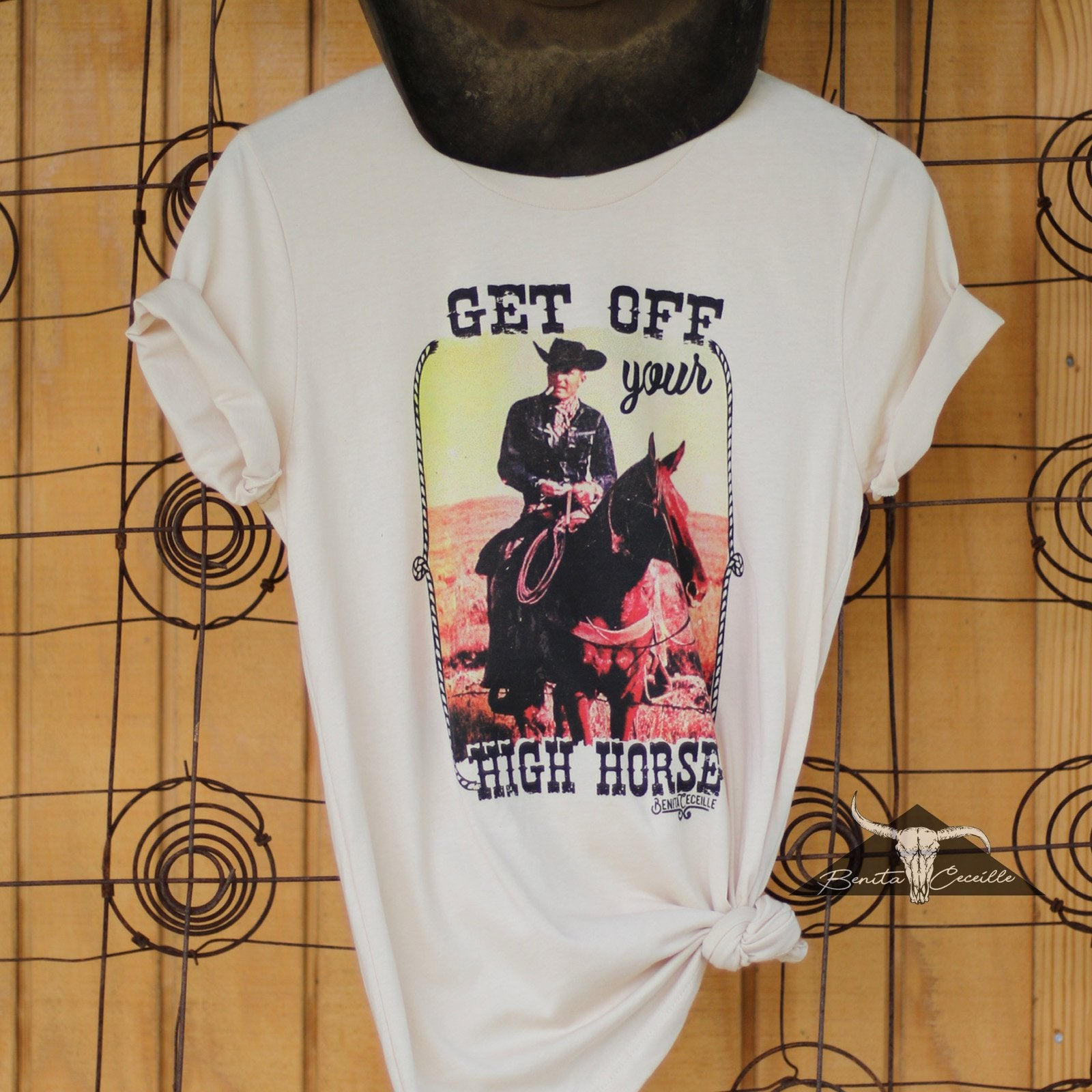The High Horse T-shirt Cream, Benita Ceceille
