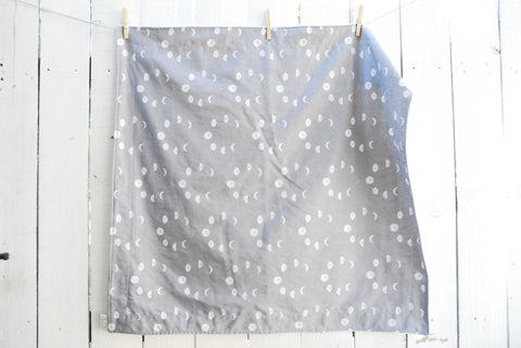 Organic Cotton and Fleece Blanket - Gray Moon Phases