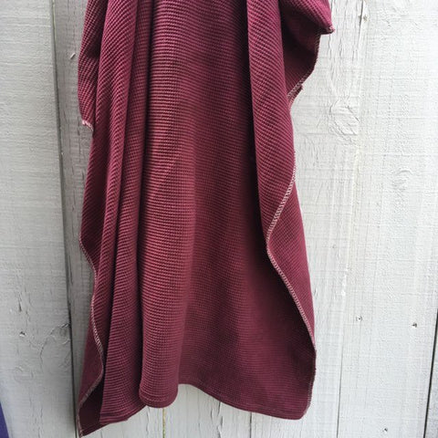 Hand-Dyed Organic Thermal Cotton Blanket - Redwood Red