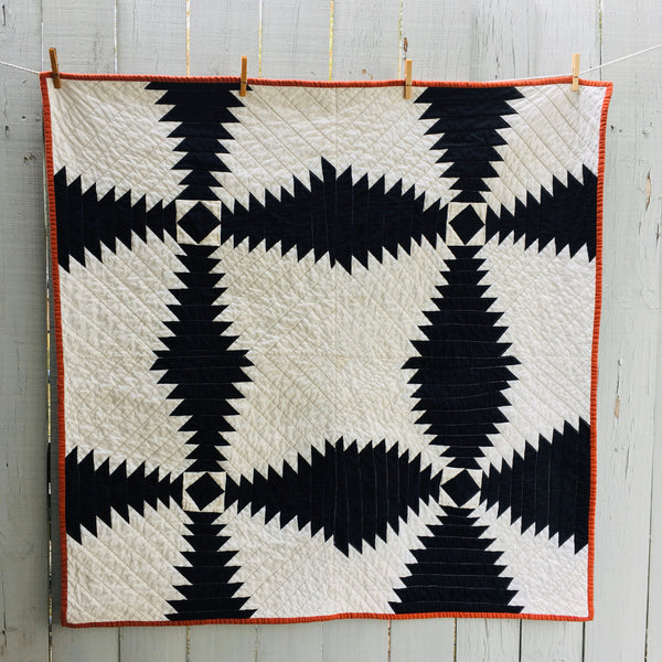 GOTS Organic Cotton Quilt, Quilted Wall Hanging - Black And White Pineapple Block Quilt