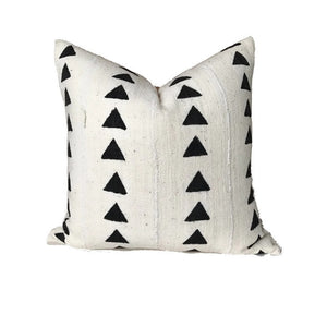 Arrow Print Mudcloth Pillow Cover in Ivory