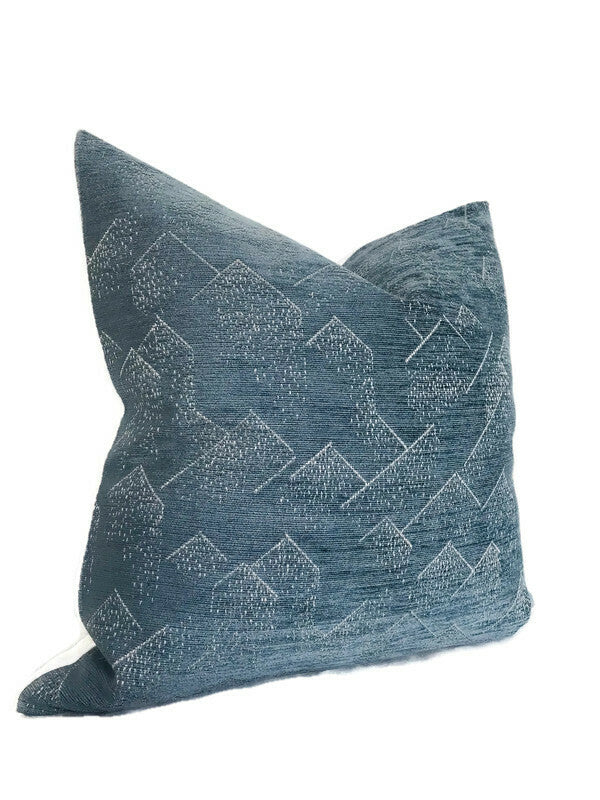 Kelly Wearstler Brink Pillow Cover in Delft Ivory