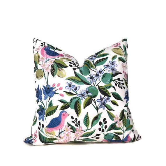 Caitlin Wilson Citron Vert Pillow Cover in Multi
