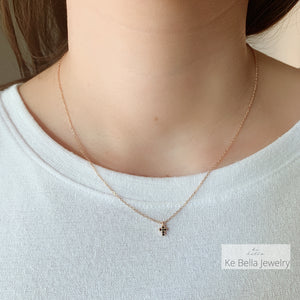 Collana Mini Croce con Spinelli Neri