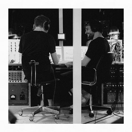 Olafur Arnolds & Nils Frahm - Trance Friends