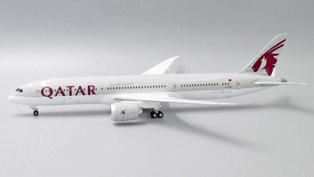 Qatar Airways Boeing 787-9 A7-BHA JC Wings JC2QTR331 XX2331 Scale 1:200