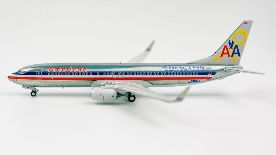 American Airlines Boeing 737-800 N905AN Flagship Liberty NG Model 58022 Scale 1:400