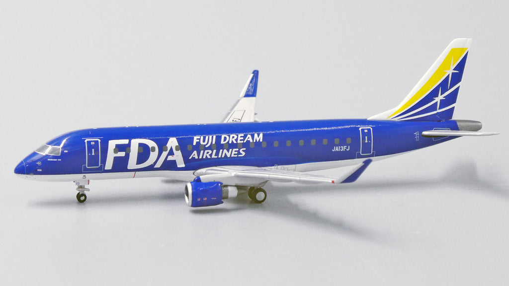 Fuji Dream Airlines Embraer E-175 JA13FJ JC Wings EW4175010 Scale 1:400