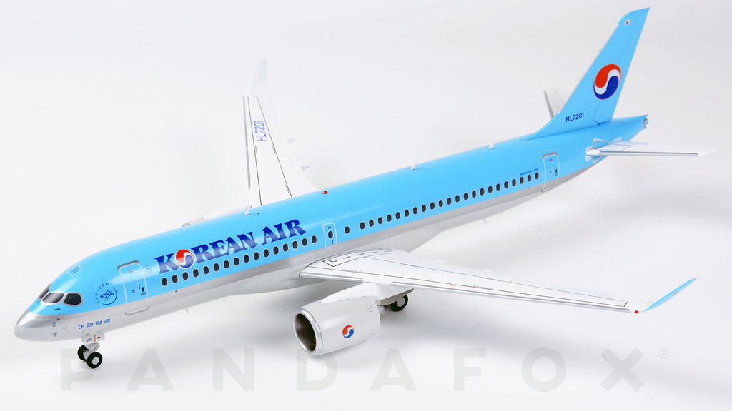 Korean Air Bombardier CS300 HL7201 JC Wings EW2CS3001 Scale 1:200
