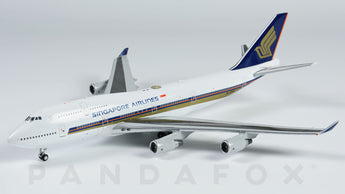 Singapore Airlines Boeing 747-400 9V-SMS JC Wings EW4744003 Scale 1:400