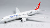 Turkish Airlines Boeing 787-9 TC-LLA JC Wings EW4789008 Scale 1:400