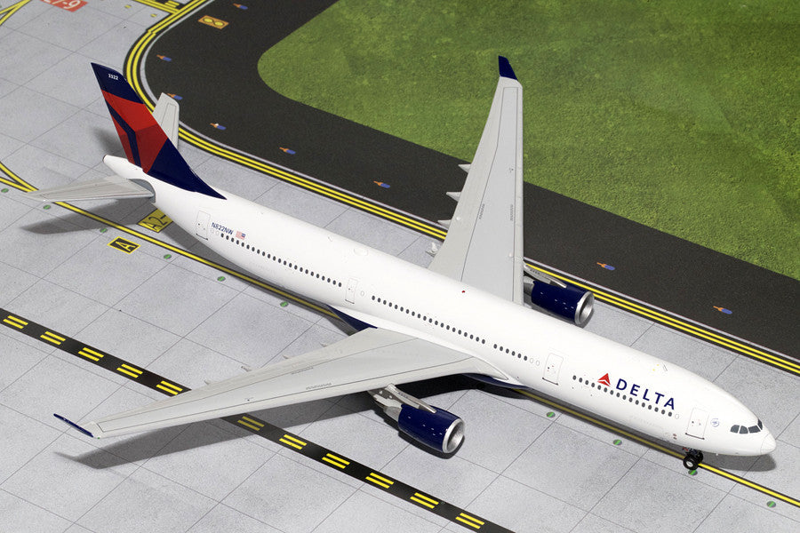 Delta Airbus A330-300 N822NW GeminiJets G2DAL335 Scale 1:200