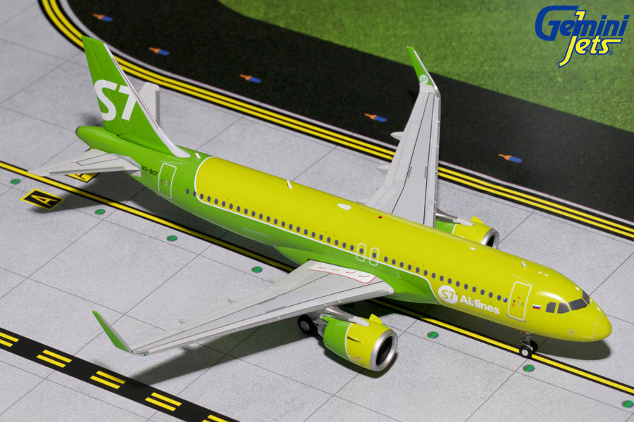 S7 Airlines Airbus A320neo VQ-BCF GeminiJets G2SBI697 Scale 1:200