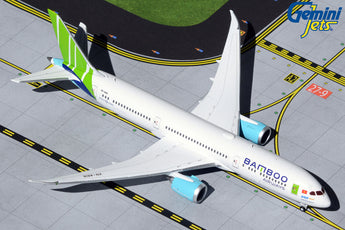 Bamboo Airways Boeing 787-9 VN-A818 Sam Son Beach GeminiJets GJBAV1923 Scale 1:400