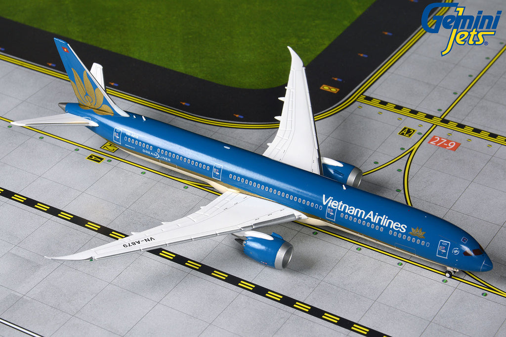 Vietnam Airlines Boeing 787-10 VN-A879 GeminiJets GJHVN1903 Scale 1:400