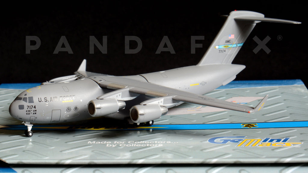 "USAF Boeing C-17 07-7174 ""Dover AFB"" GeminiJets GMUSA067 Scale 1:400"
