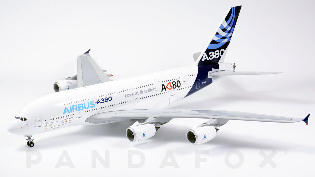 Airbus House Airbus A380 F-WWDD Love at First Flight JC Wings JC2AIR988 XX2988 Scale 1:200