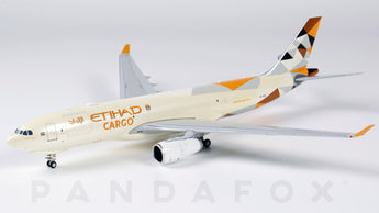 Etihad Cargo Airbus A330-200F A6-DCE JC Wings JC4ETD103 XX4103 Scale 1:400