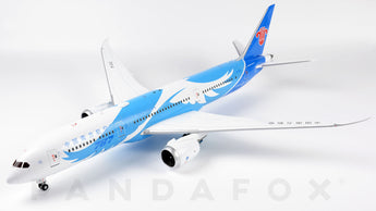 China Southern Boeing 787-9 B-1242 JC Wings LH2CSN126 LH2126 Scale 1:200
