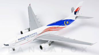 Malaysia Airlines Airbus A330-200 9M-MTX Negaraku JC Wings LH4MAS106 LH4106 Scale 1:400