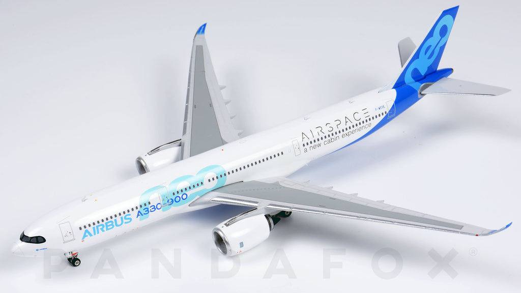 Airbus House Airbus A330-900neo F-WTTE Phoenix PH4AIR1921 Scale 1:400