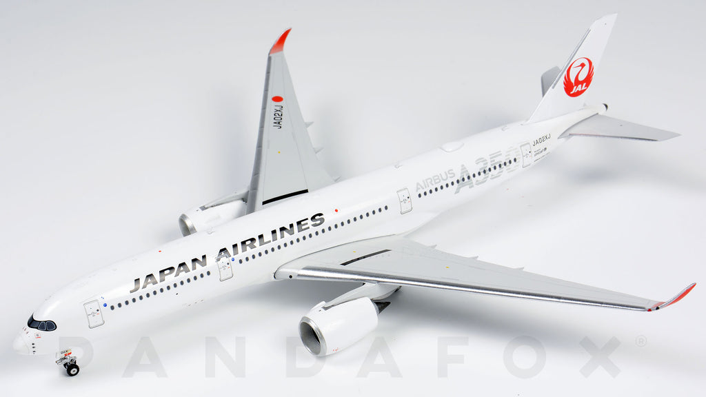Japan Airlines Airbus A350-900 JA02XJ Siver Titles Phoenix PH4JAL1927 Scale 1:400