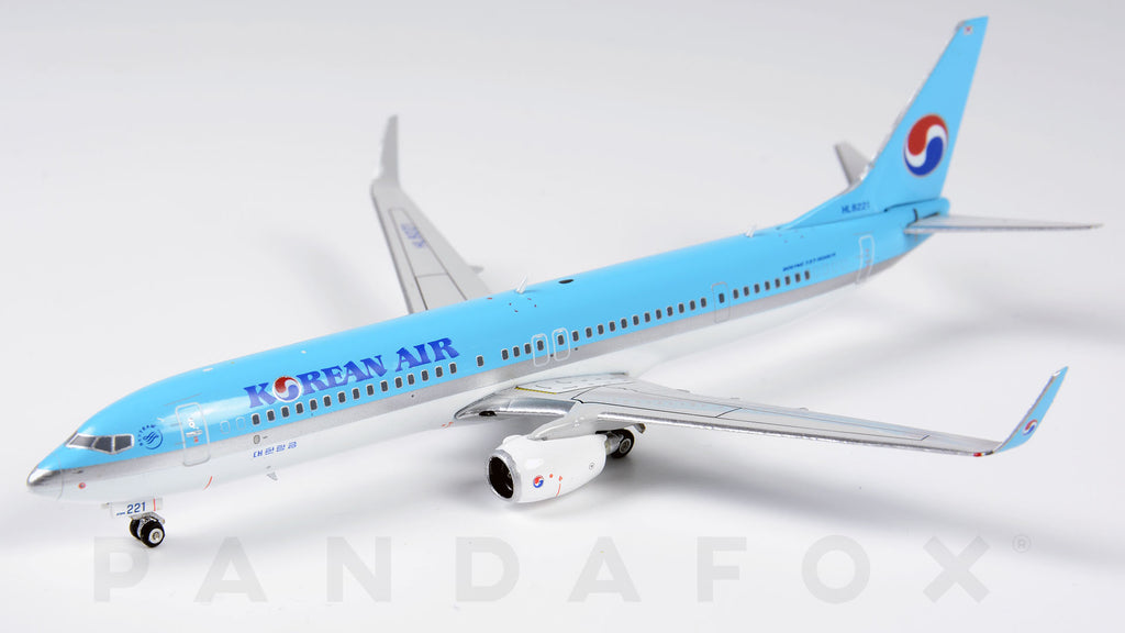 Korean Air Boeing 737-900ER HL8221 Phoenix PH4KAL1957 Scale 1:400