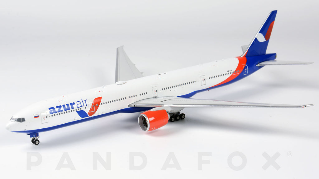 Azur Air Boeing 777-300ER VQ-BZA Phoenix PH4KTK1942 Scale 1:400