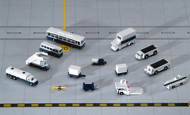 14 Piece Ground Accessories Airport GSE Set GeminiJets GJARPTSETA Scale 1:400