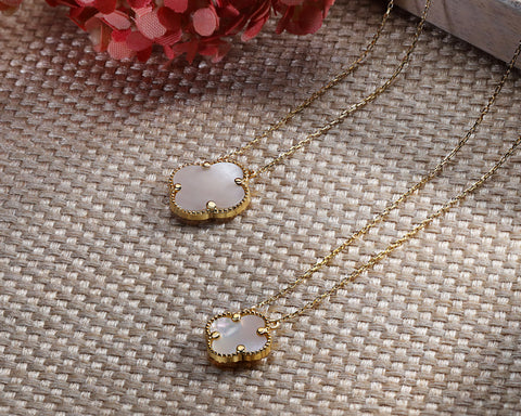 Clover Pearl Necklace Gold
