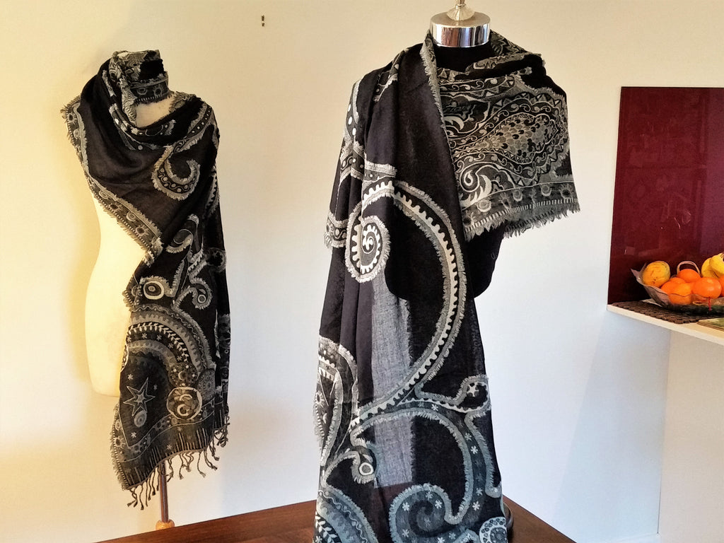 'Black Fray' Merino Wool Pashmina
