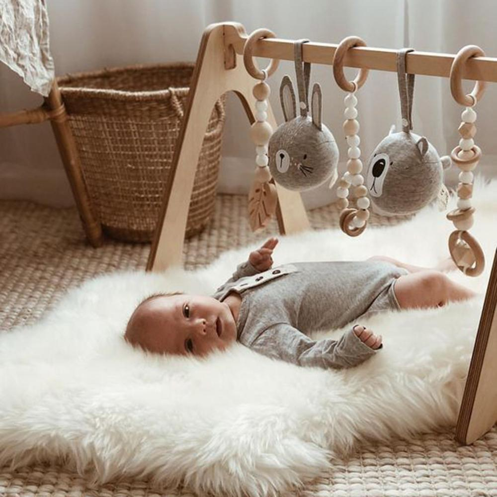Smart ways to save money on baby stuff