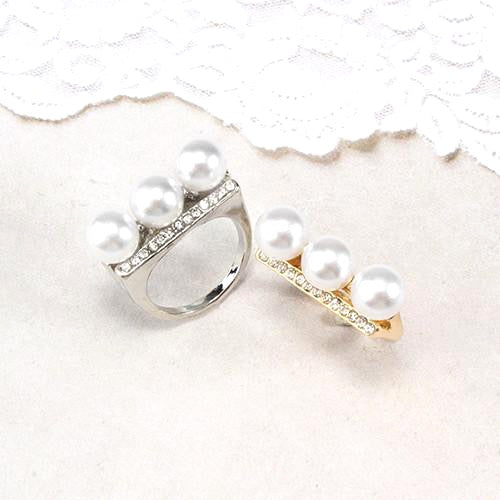 3 Pearl Statement Ring
