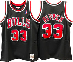 SCOTTIE PIPPEN CHICAGO BULLS NBA HARDWOOD CLASSICS THROWBACK BLACK SWINGMAN JERSEY