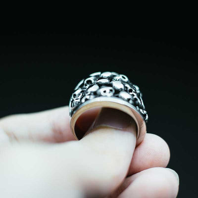 'A Thousand Deaths' Skull Ring Giveaway