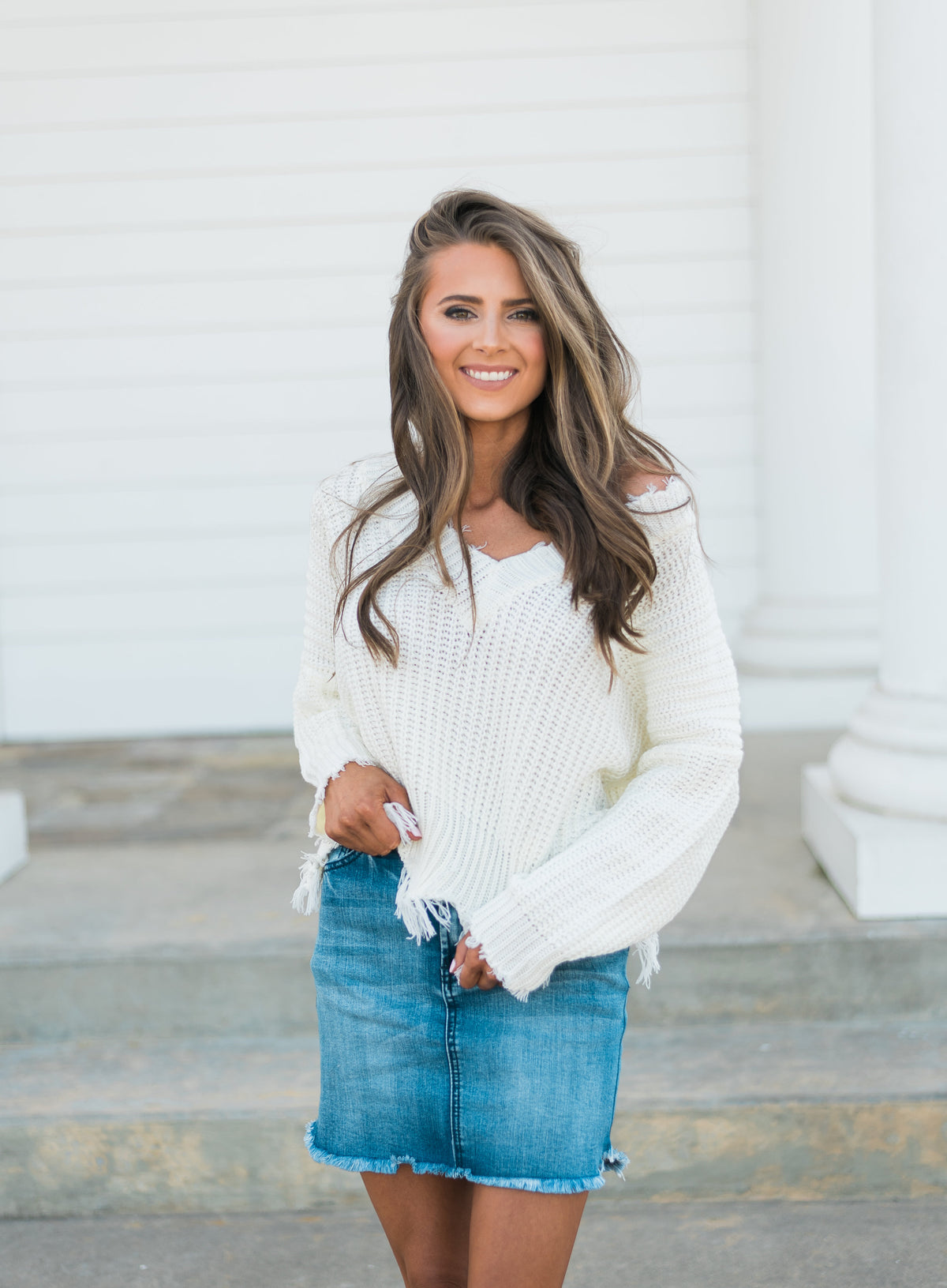 Frayed V-neck Sweater-White