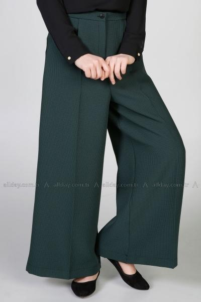 Emerald - Wide Leg Pants with Pleat Detail - NisaLife - Buy Fashion Muslim Women Clothing, Hijab, Dress Abaya, Scarf, Shawl, Headscarf